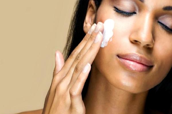 100512-health-skin-bleaching-cream-lotion-face-beauty slider