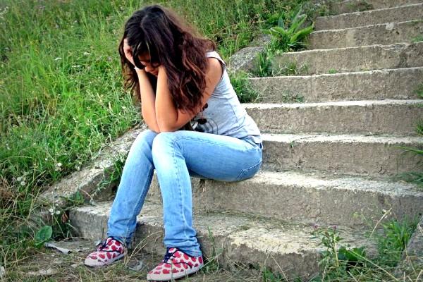 upset-girl sl