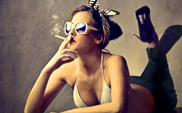 γυναικα-τσιγαρο sl