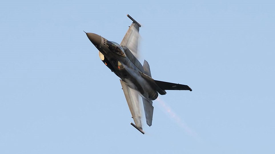 F16-GREECE-25-MARTIOU-ETHINI-EORTH-ETHNIKH-EPETIOS-ELLADA-AEROPORIA-ELLHNIKH-ARTHROU
