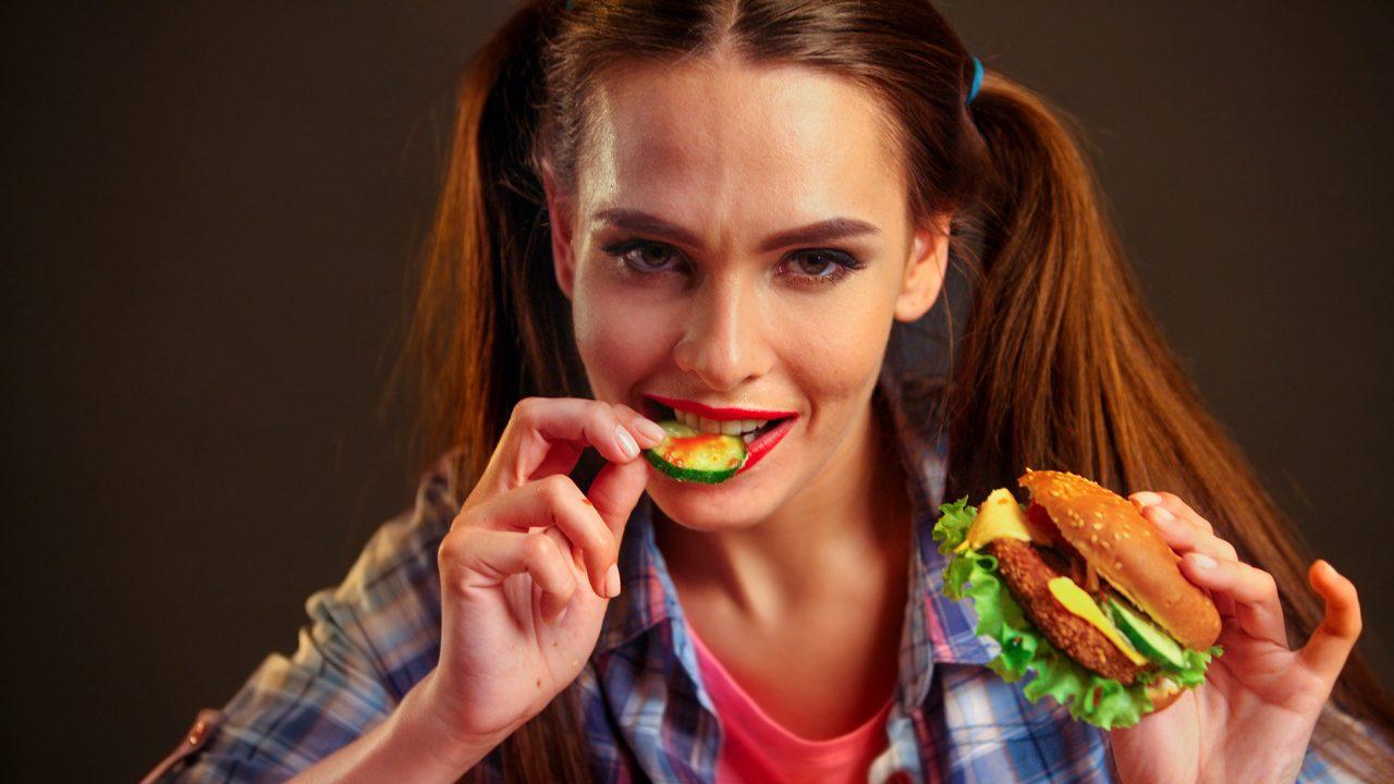 191216170616_girl-food-1280×720