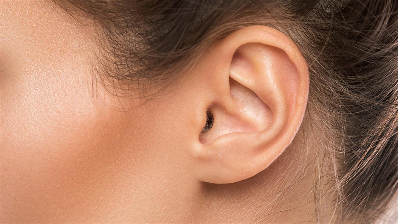 100293-ear-woman1280