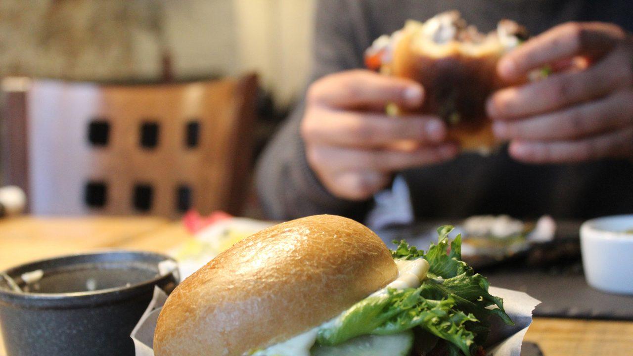 210302173124_burger-1280×720